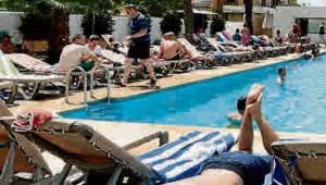 El turismo en Alicante vive el mejor invierno en 15 años por el buen tiempo y la crisis de Turquía y Túnez.