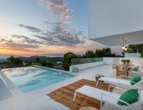 9 - Venecia III - terrace + Pool + view